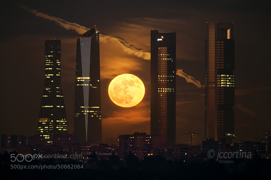 Photograph Ultima luna llena de 2012 by Juan Carlos Cortina  on 500px