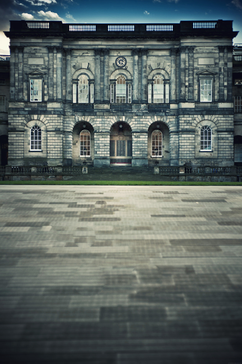 Photograph Old College, University of Edinburgh by Zain Kapasi on 500px