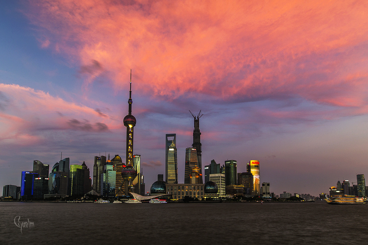 Photograph The bund at dusk by guo lm on 500px