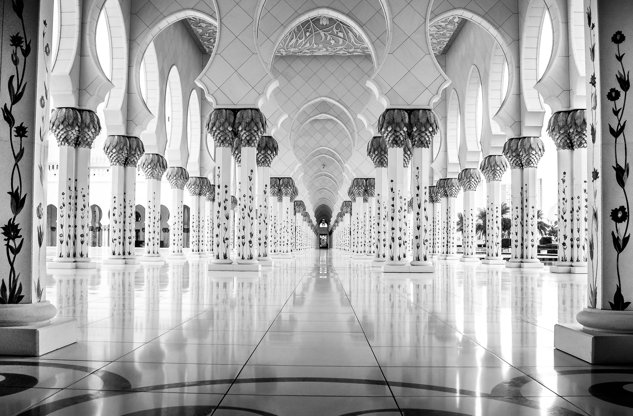 Photograph The Pillars - Grand Mosque, Abu Dhabi by julian john on 500px