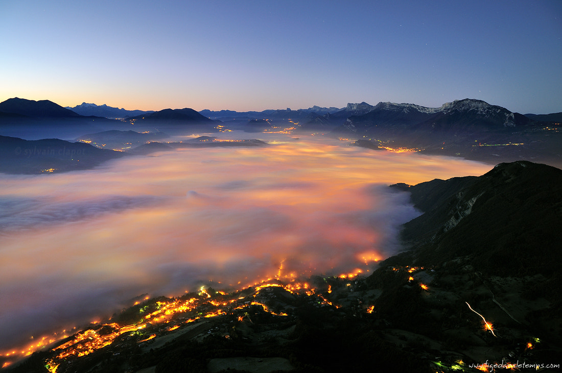 Photograph In the mist by Sylvain Clapot on 500px