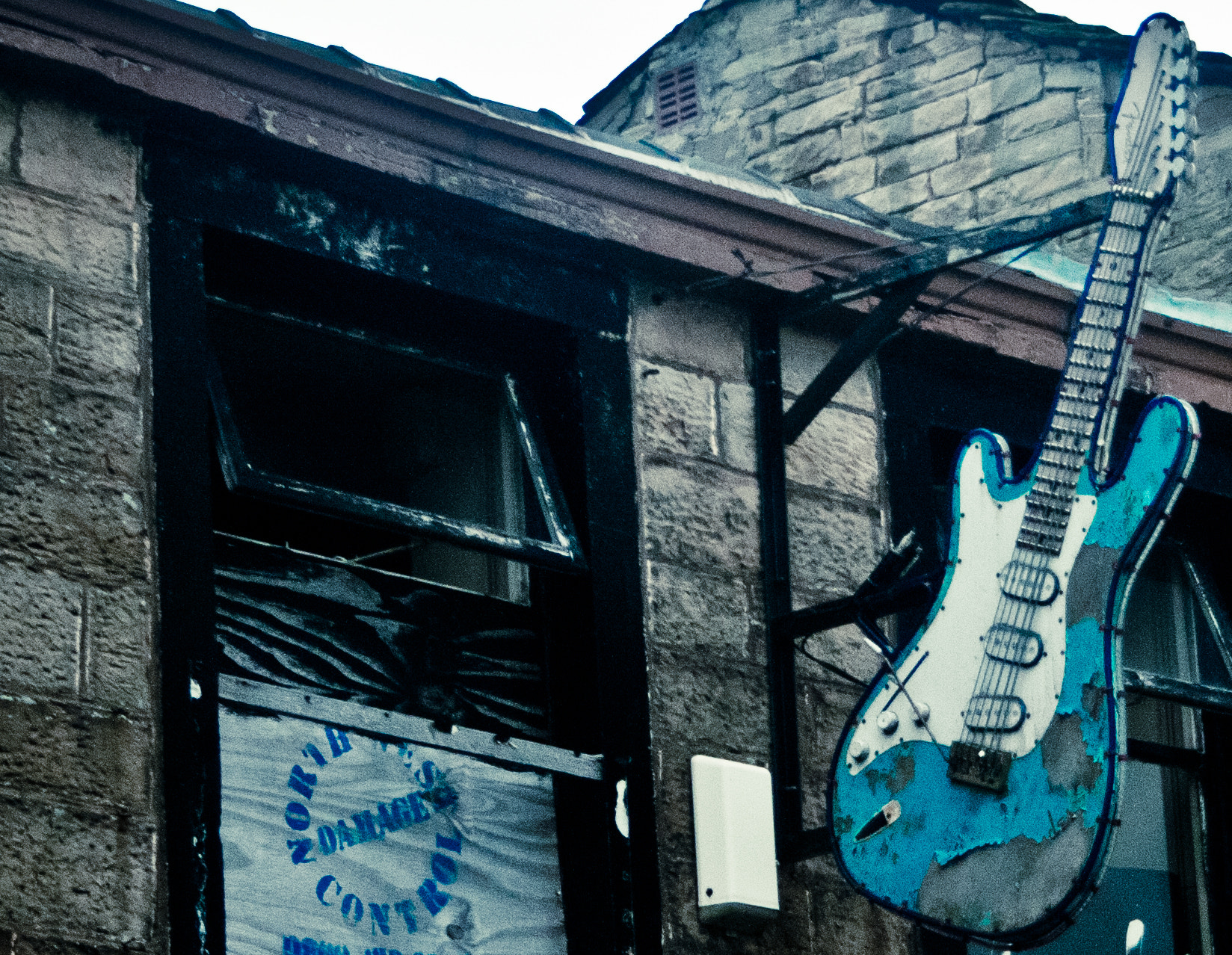 Photograph Music Store by Leanne Starkie on 500px