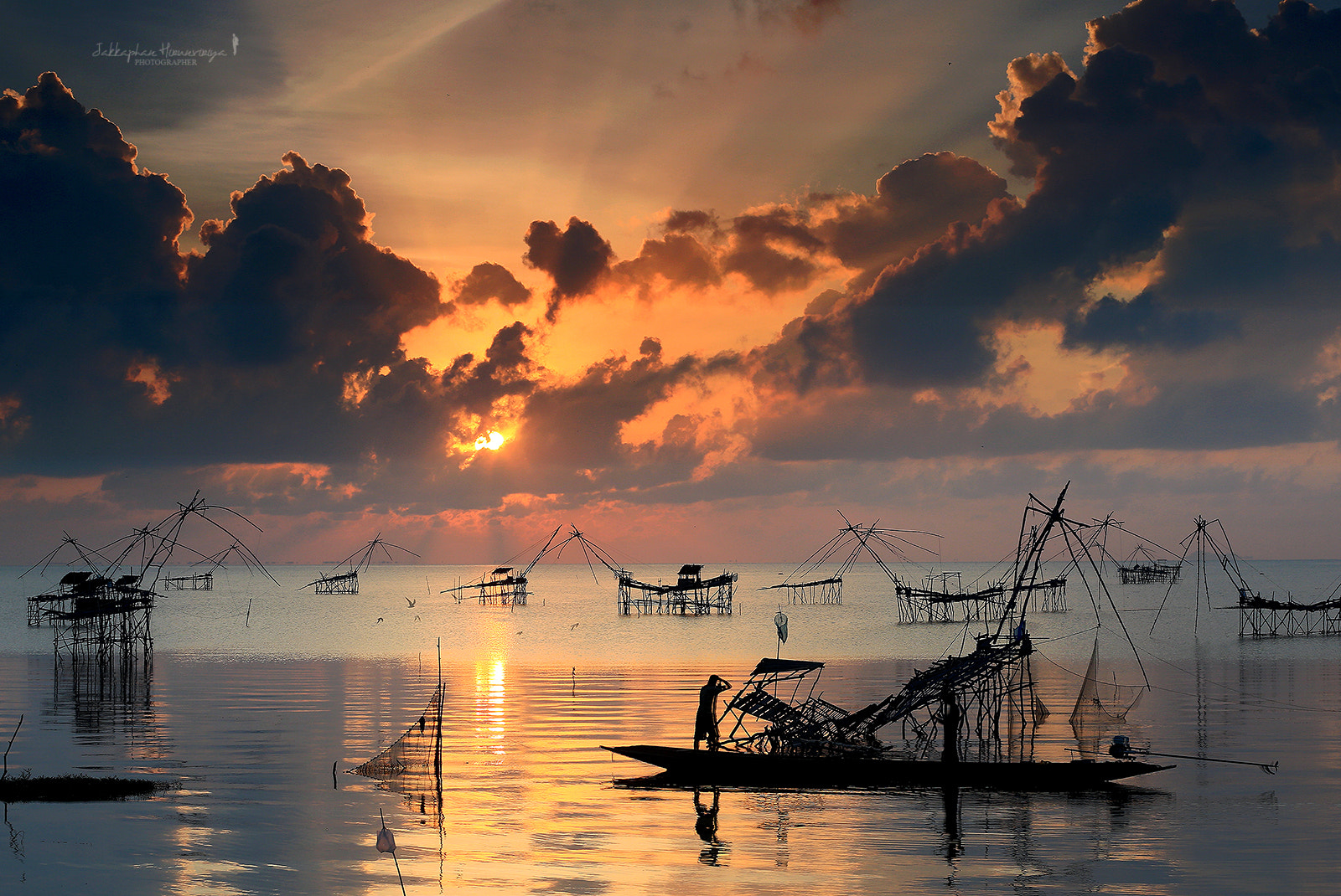 Photograph Sunrise by Jakkaphan Hirunviriya on 500px