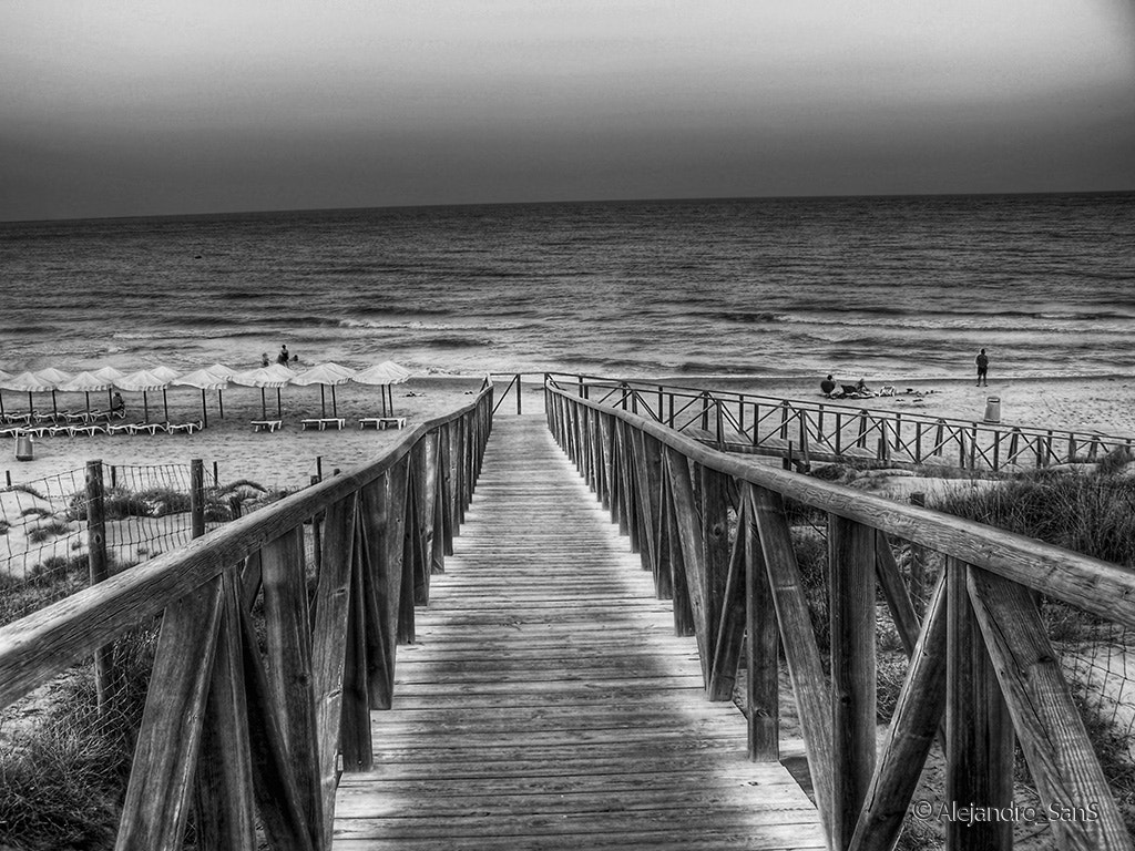 Photograph Going to the beach by Alejandro Sans on 500px