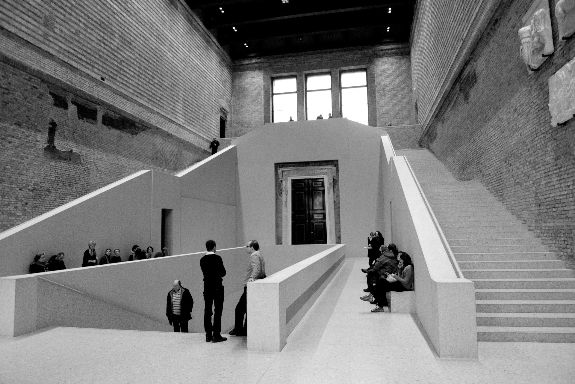 Photograph Berlin, Neues Museum by Thomas Roessler on 500px