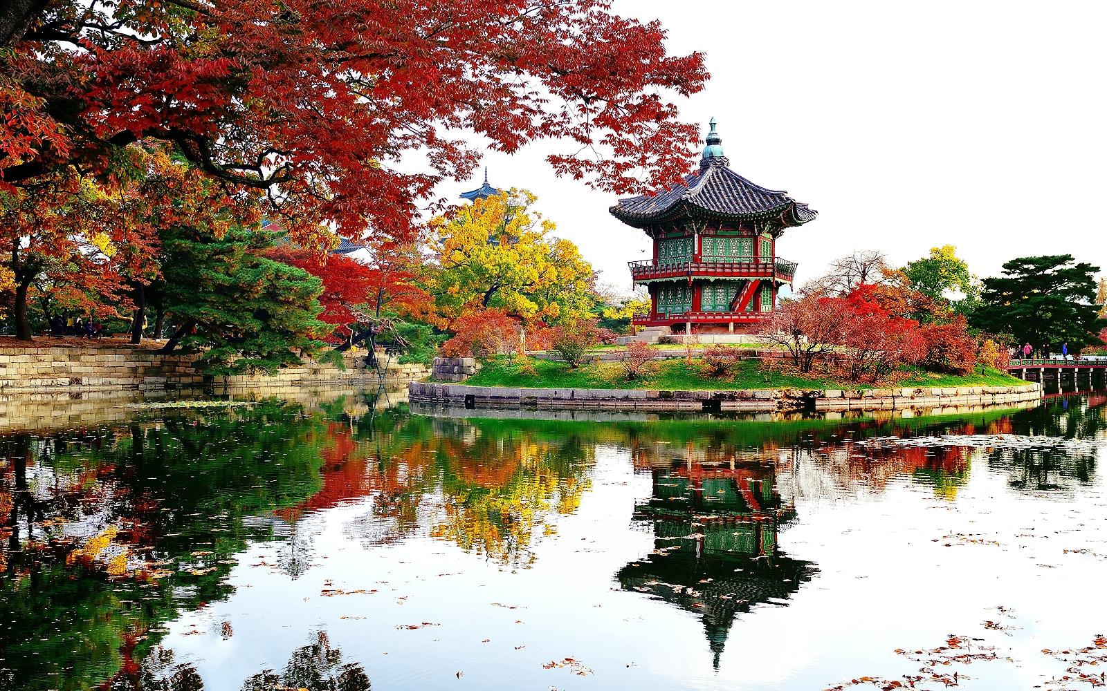 Photograph Autumn colors of Korea ll by HoHyun Lee on 500px