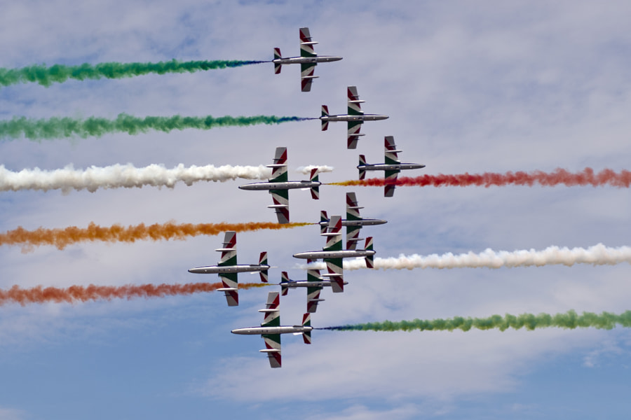 The Italian Air Force's Freece Tricolori demonstration team performs at the 2011 Royal International Air Tattoo