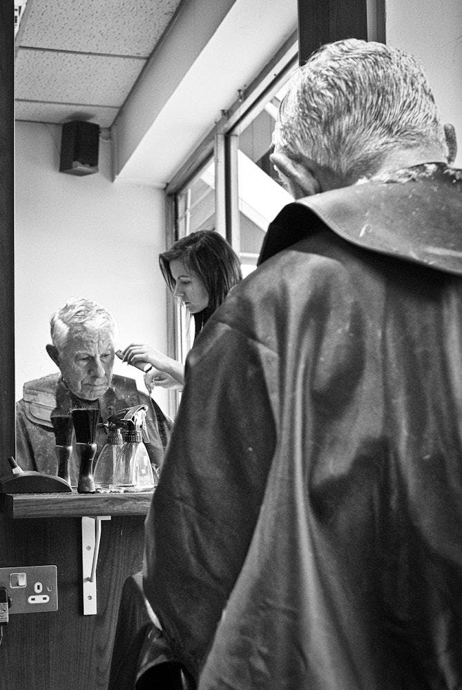 Photograph In the barber's chair by Pere Melé Jr. on 500px