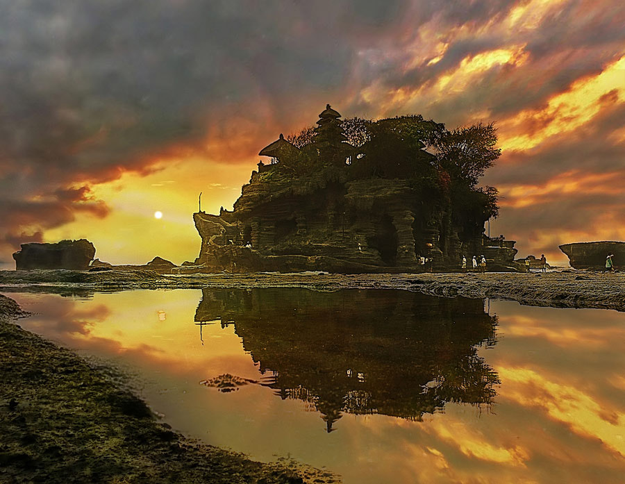 Photograph Tanah Lot Temple, Bali by Ketut Manik on 500px