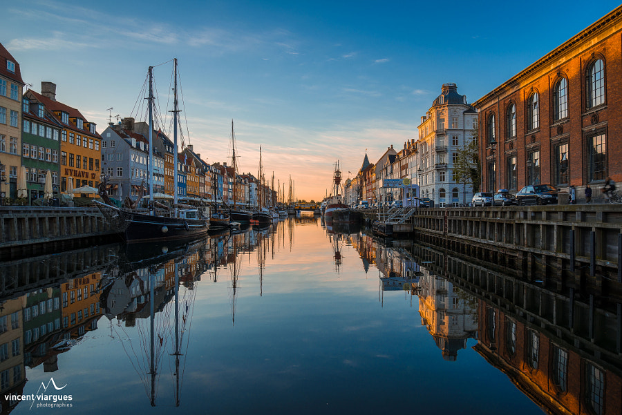 Photograph Sunrise - Nyhavn by vincent viargues on 500px
