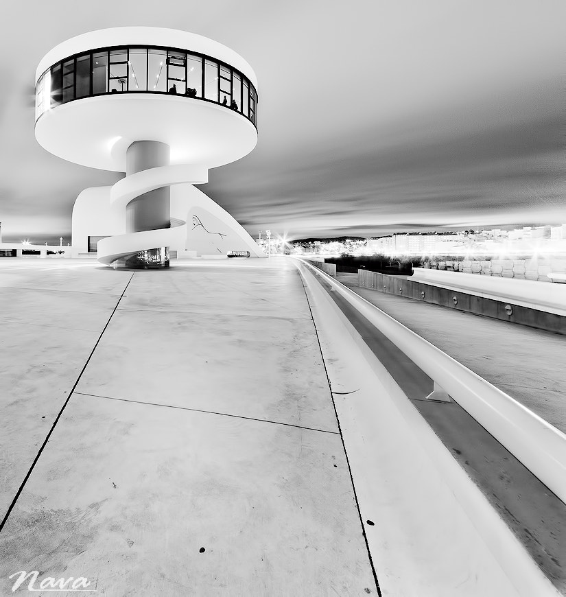 Photograph Viewpoint of the Niemeyer Center. by Antonio Muñoz on 500px