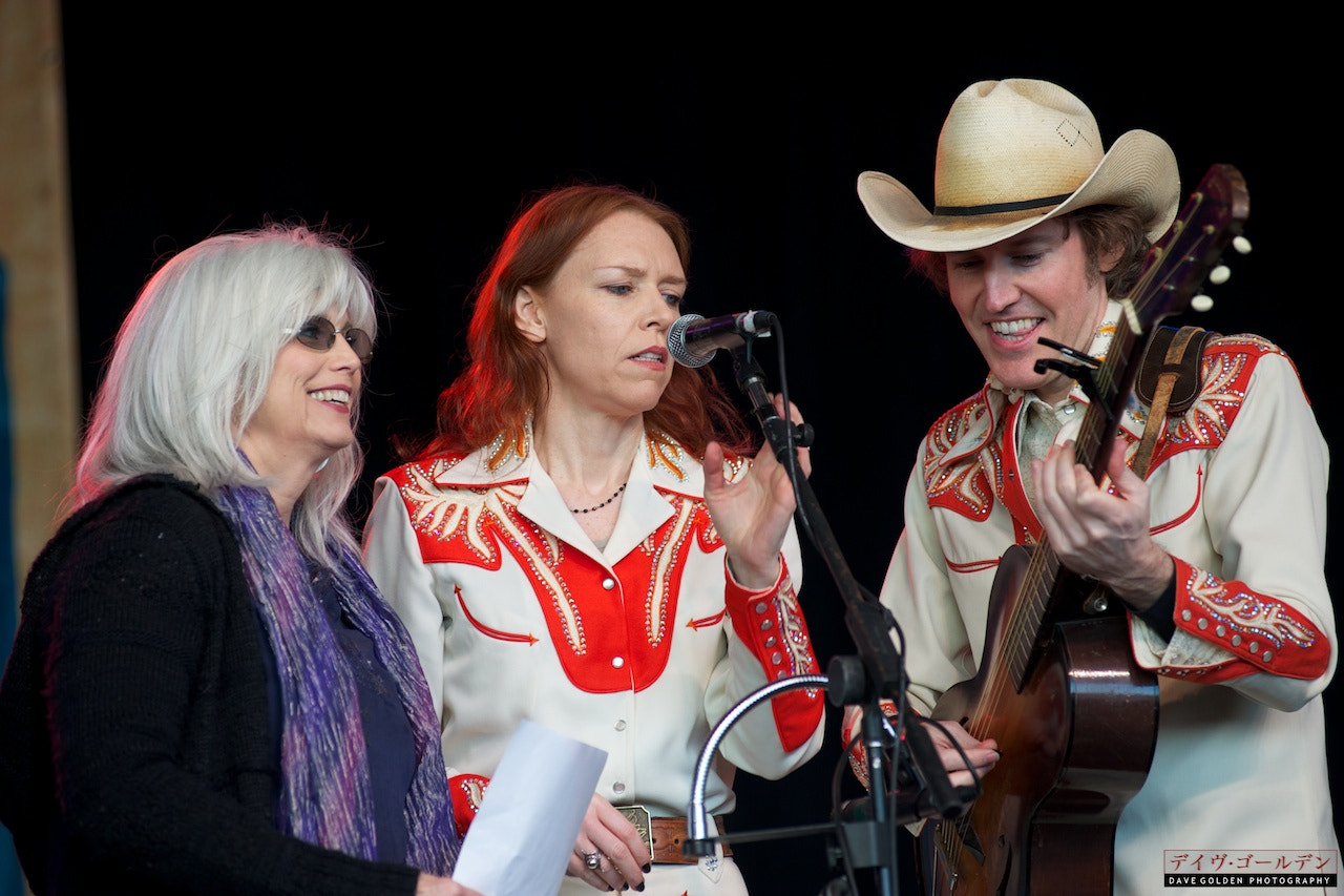 Photograph Emmylou Harris & Gillian Welch & Dave Rawlings by Dave Golden on 500px