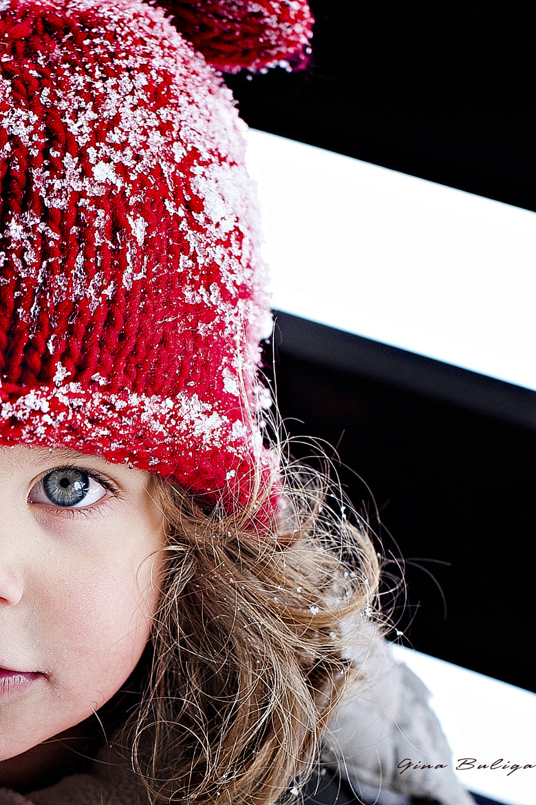 Photograph the girl with red hat by Gina Buliga on 500px