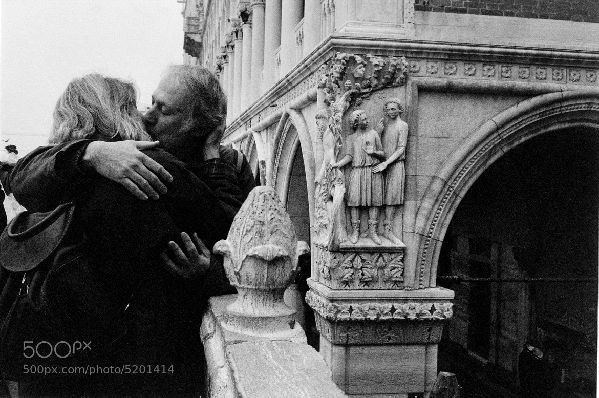 Photograph Kissing in Venice! by cesare schiraldi on 500px