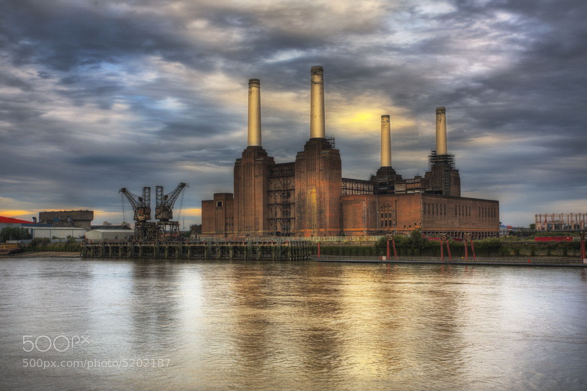 Photograph Battersea Power Station by Dean Bedding on 500px