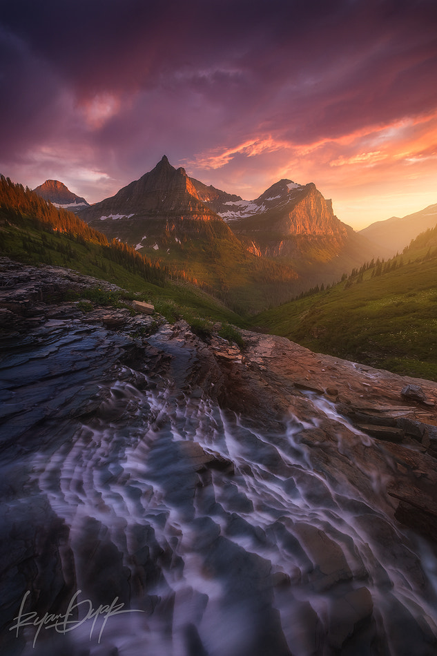 Photograph Into The Valley by Ryan Dyar on 500px