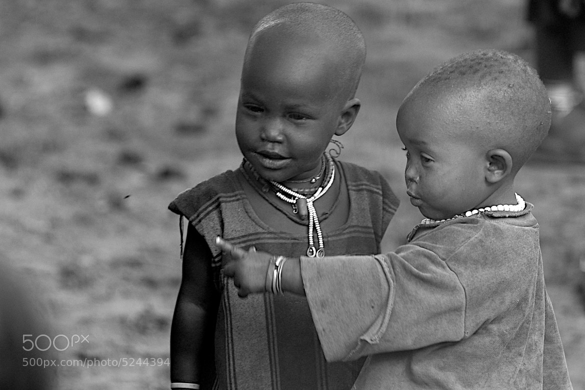 Photograph Bébé Massai en discussion by Kreis Flo on 500px