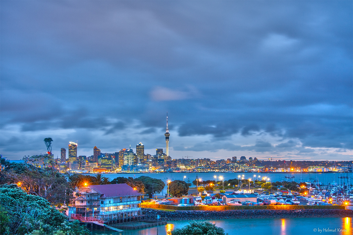 Photograph Auckland by night by Helmut Kruse on 500px