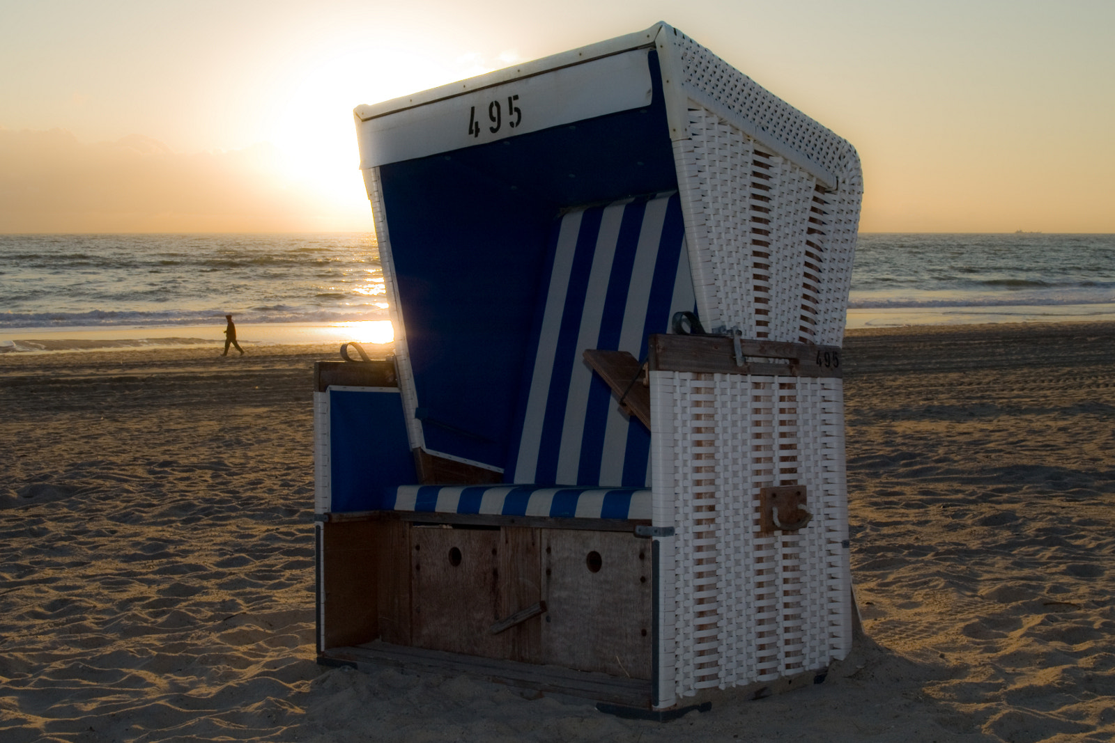 Photograph Beach chair 495 | Strandkorb 495 by Gerald Backmeister on 500px