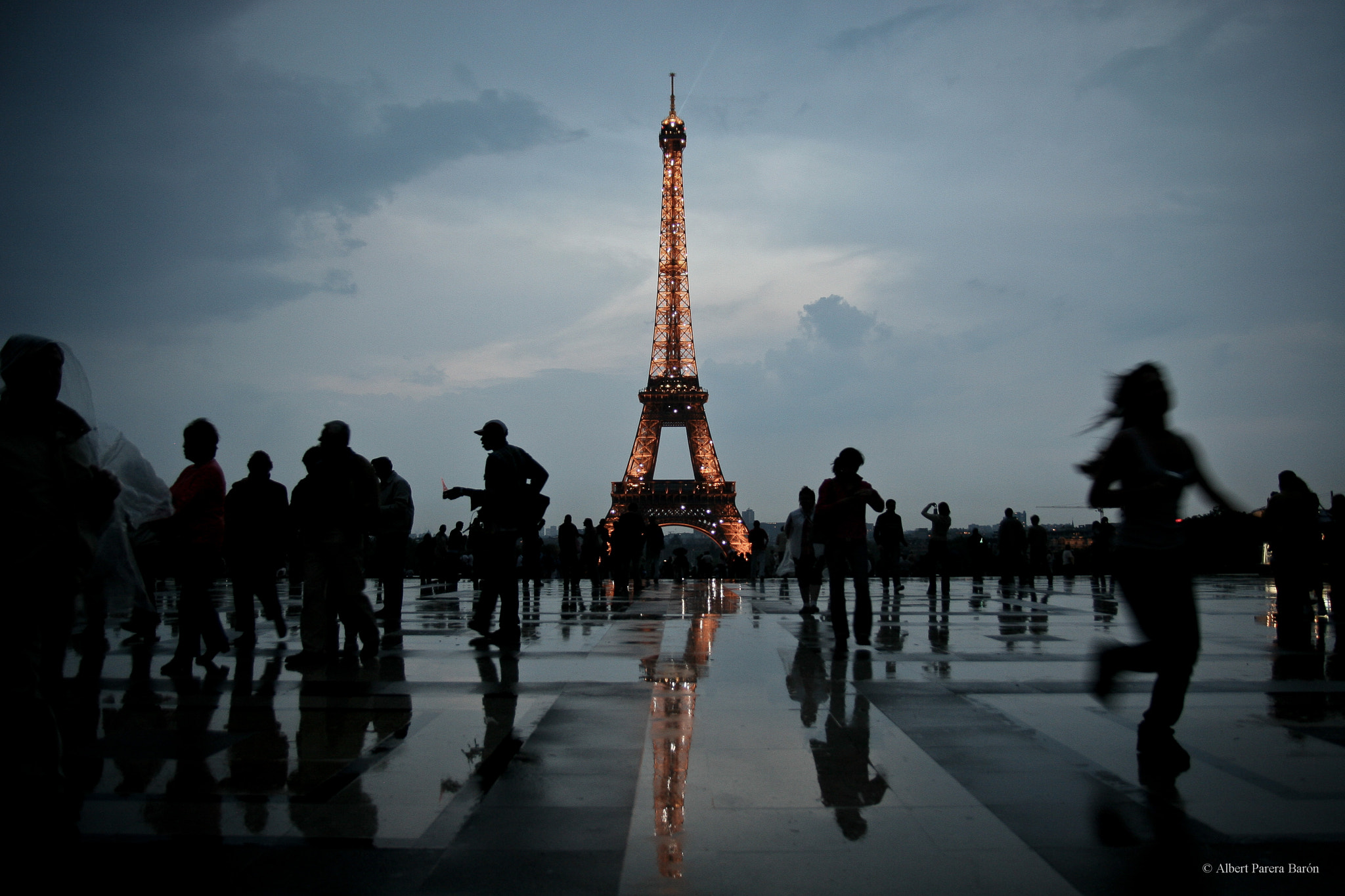 Photograph The mirror of Paris by Albert Parera Barón on 500px