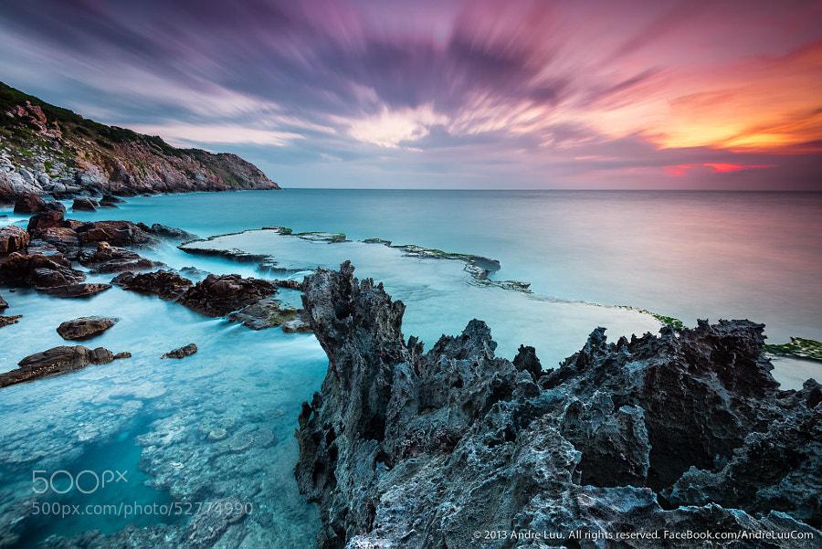 Dragon Crossing Sea