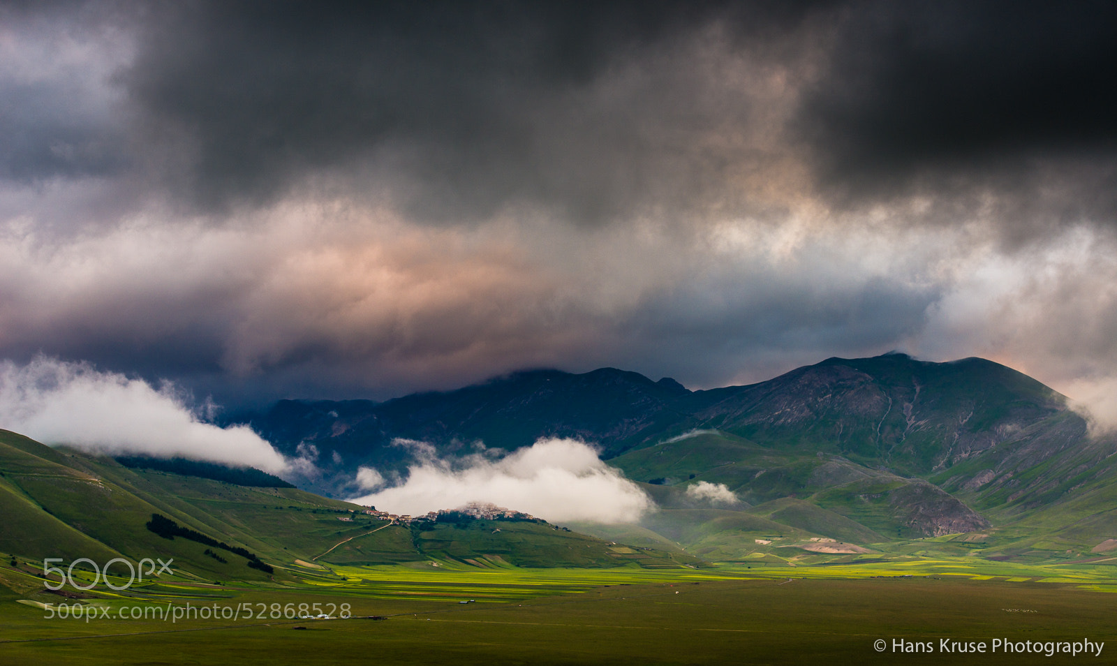 Photograph Morning at Piano Grande at Castelluccio by Hans Kruse on 500px