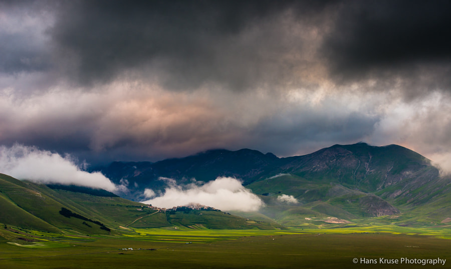 This photo was shot an early morning in Umbria in June 2013 planning for the June 2014 photo workshop (sold out).  You can find the 2014 photo workshop schedule here http://www.hanskrusephotography.com/Hans-Kruse-Photo-Workshops/Workshops