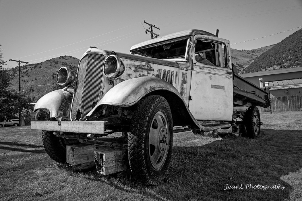Photograph Old Car by Jean Li on 500px