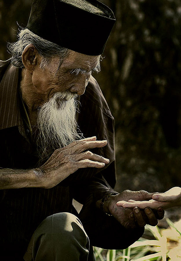 Photograph OLD MAN by yudhono arie on 500px
