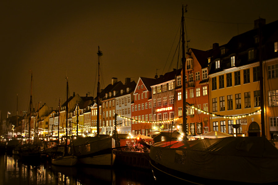 X-mas at Nyhavn by Jacek  S. on 500px.com