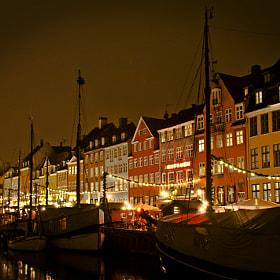 X-mas at Nyhavn by Jacek Schlaffmann on 500px.com