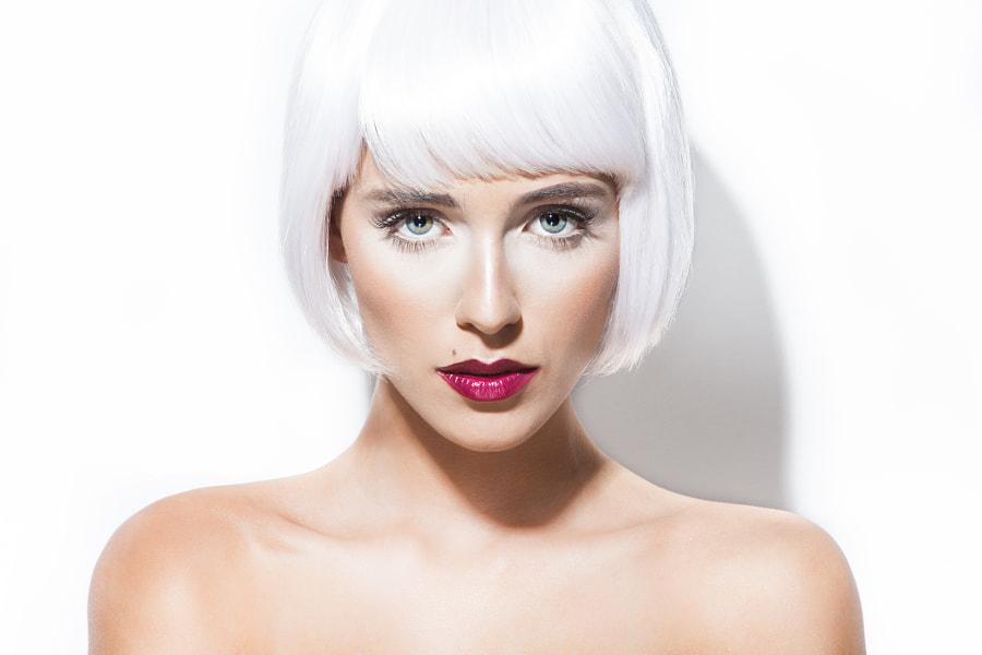 Carolinne White 2