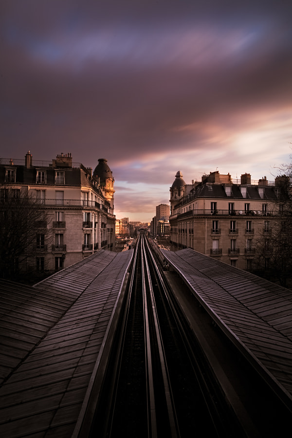 The top of the Bir Akiem bridge in paris