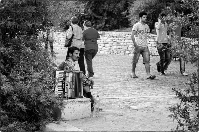 Pause ... Athens View no 85