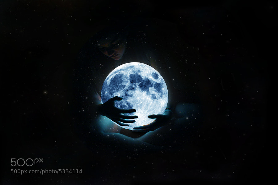 Photograph Take the moon by Francesca Perticarini on 500px