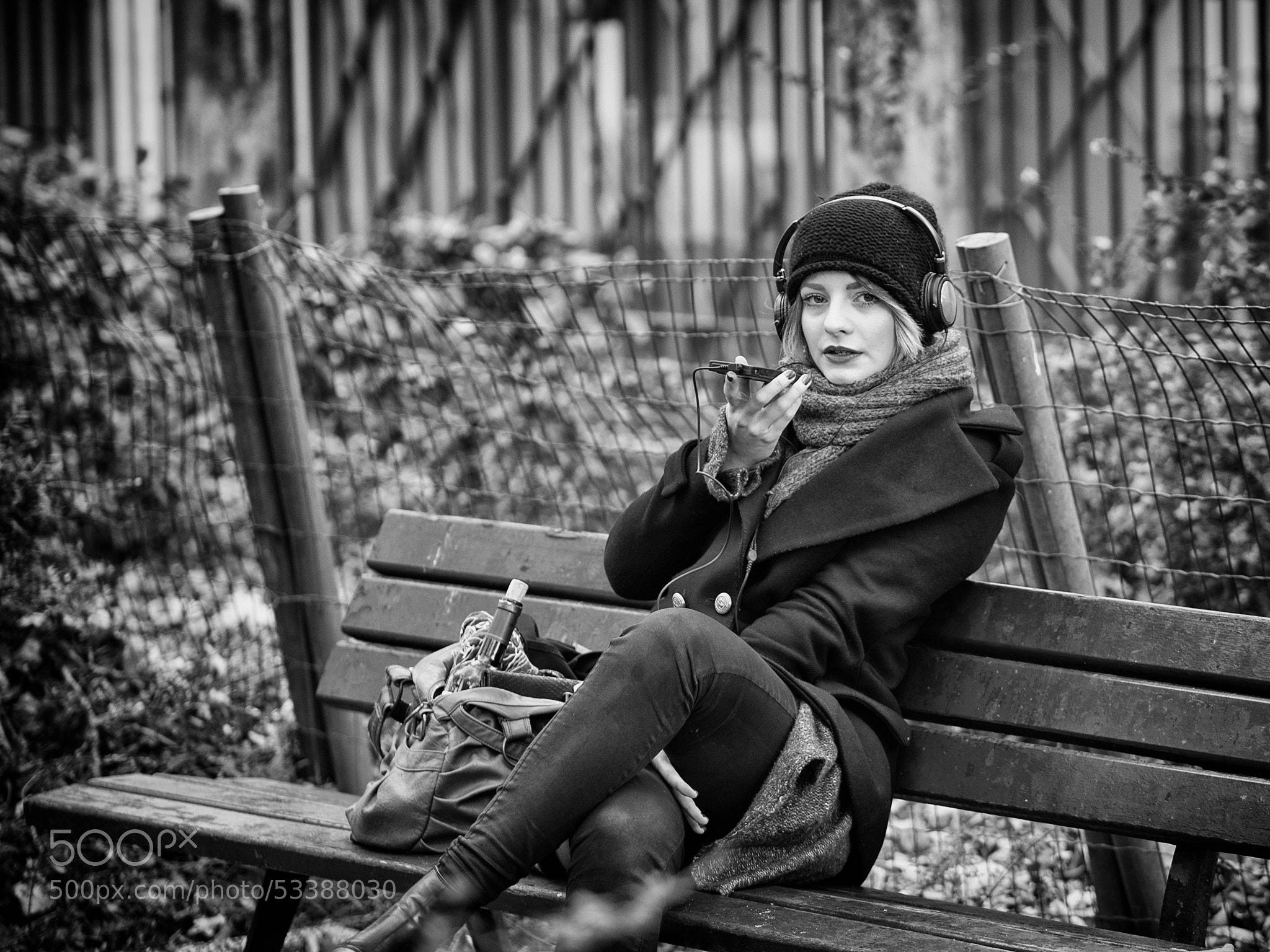 Photograph Cold morning in a park (Sacré-Cœur - Paris) by skamelone on 500px