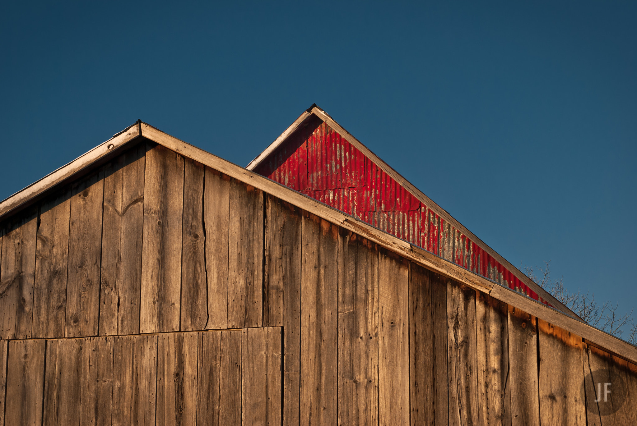 Photograph Red barn, Brown barn by Jason Fournier on 500px