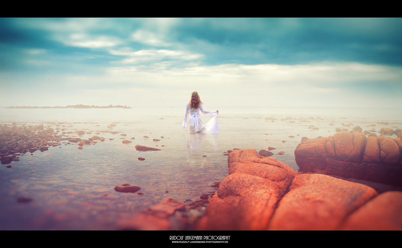 Photograph The Young Woman and the Sea by Rudolf Langemann on 500px