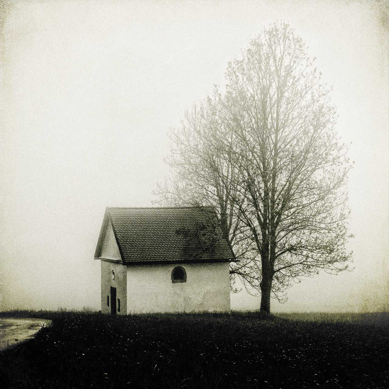 Photograph chapel + tree by Franz Bogner on 500px