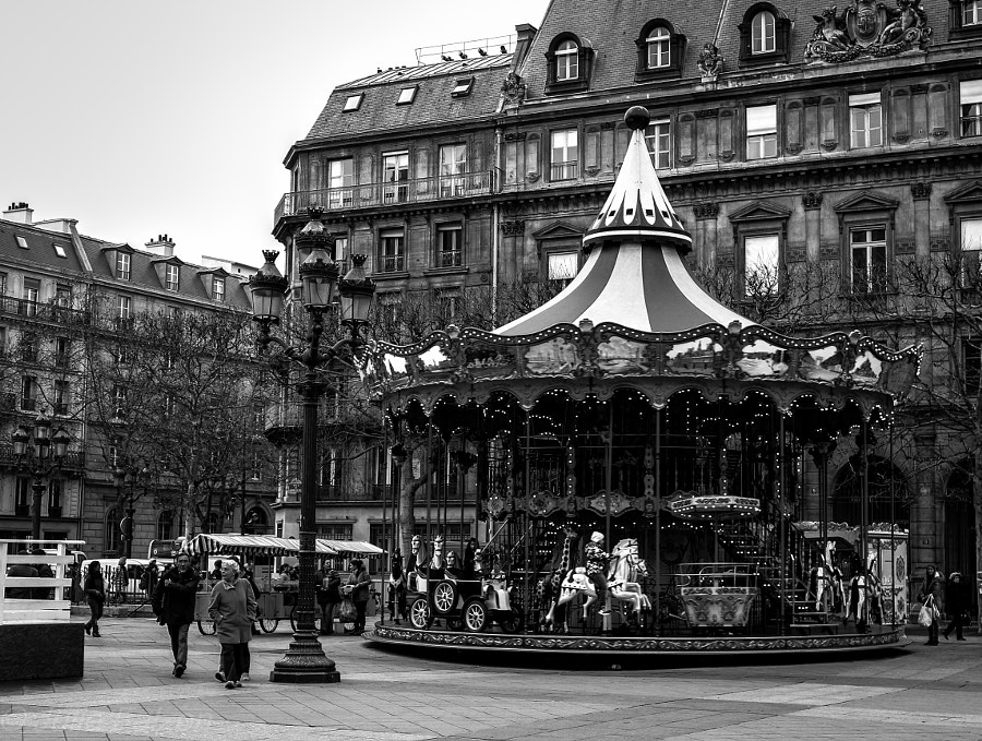The main Town Hall so to speak in Paris. There's this carousel opposite it. Went there 3 times in a week and it was there waiting for me in all its charming splendor...