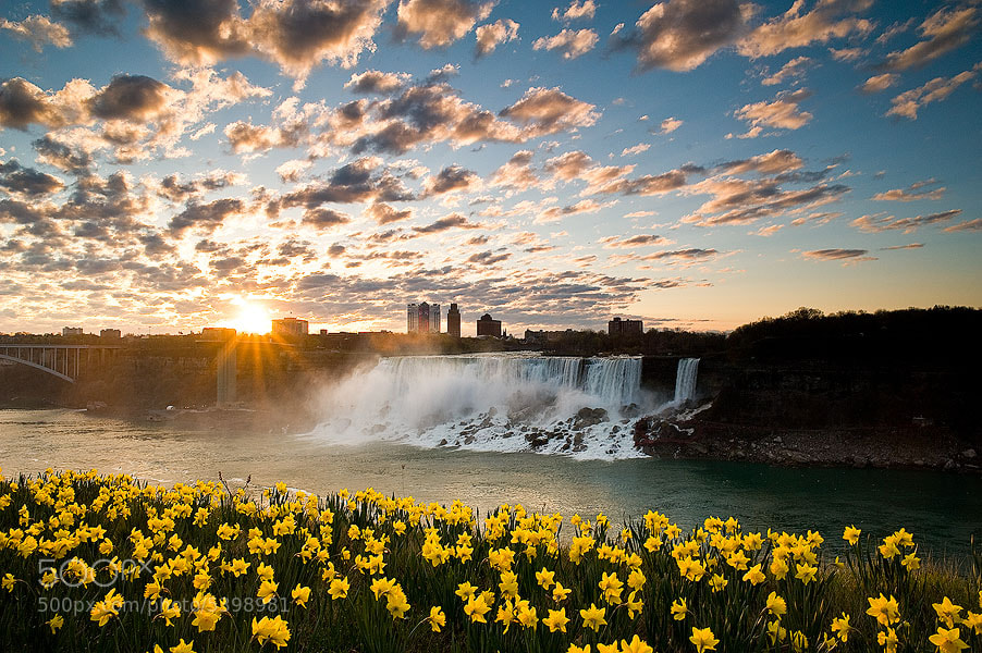 Photograph Niagara at dawn by Arnold Moolenaar on 500px
