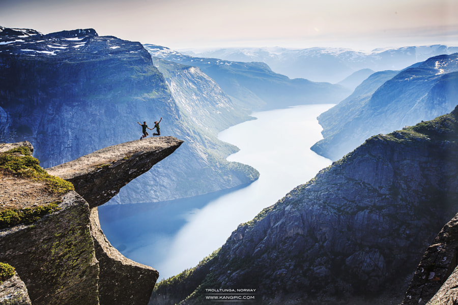 Fly over Trolltunga by Zhuokang Jia on 500px.com
