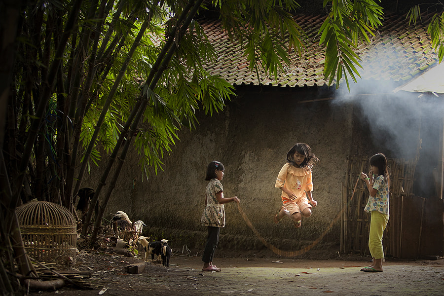 Photograph Playing Rope  by Jeffry Surianto on 500px