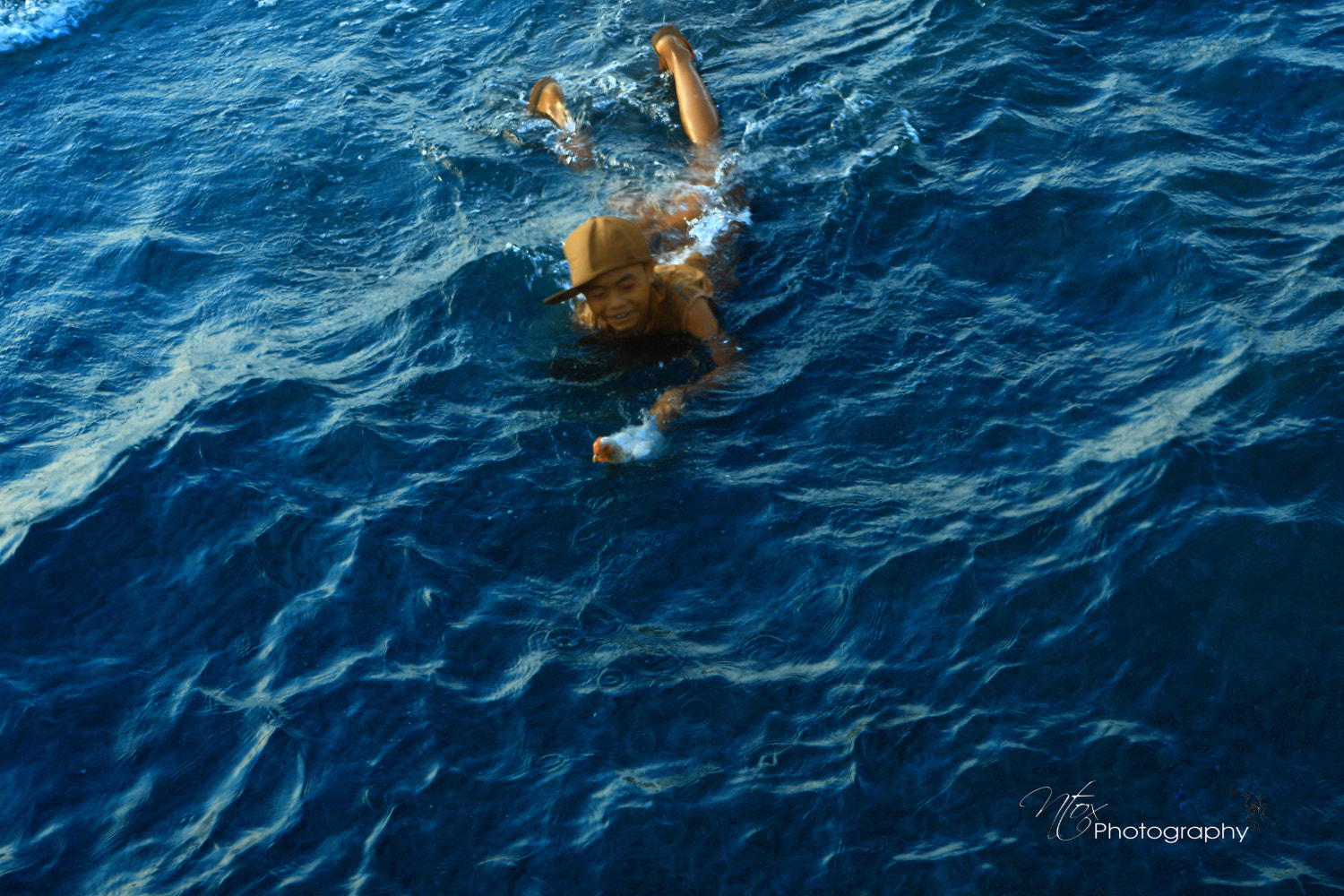 Photograph swimming with chicken by ntox ntoxdejavu on 500px