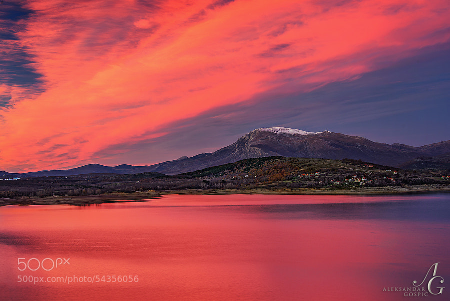After the sunset a very intense fire quickly spread across the sky above Dinara mountain and Peruća lake, and then just as quickly it extinguished