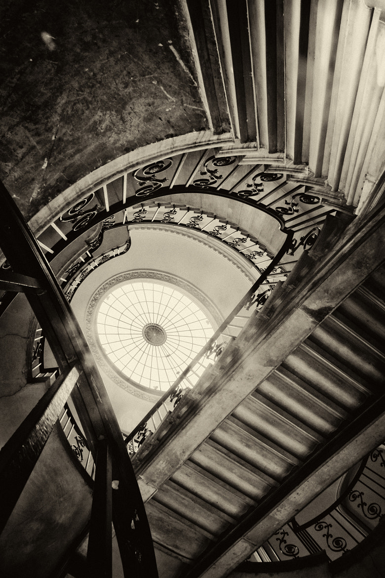 Photograph Nelson Stairs (Somerset House) by Darius S. on 500px