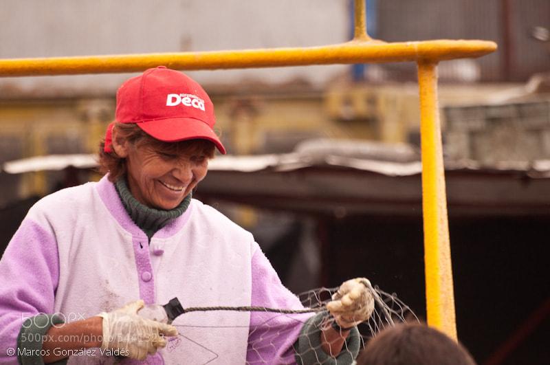 Photograph Trabajadora - worker by Marcos S. González Valdés on 500px