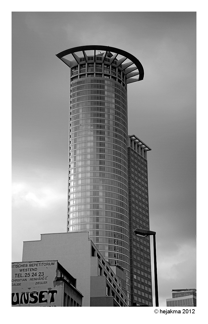 Photograph Frankfurt Volksbank Tower by hejakma  . on 500px