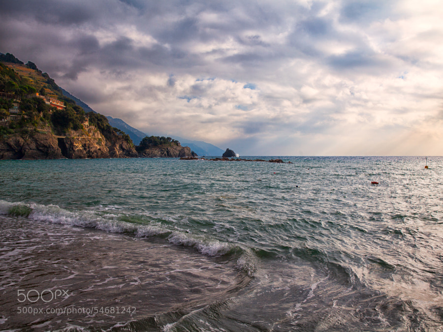 The sea of Monterosso by Samuele Silva on 500px.com