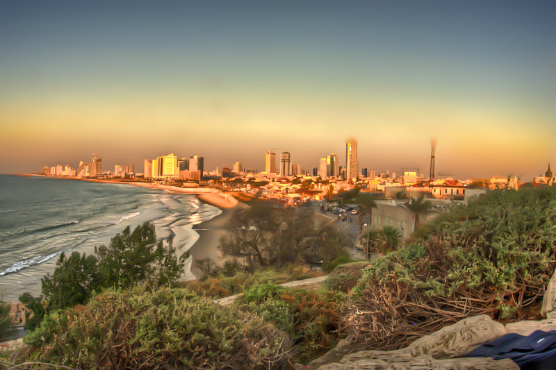 Photograph the view of tel-aviv  by Hen Yaish on 500px
